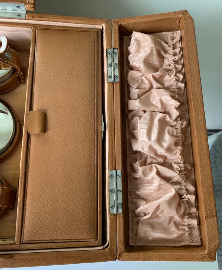 1950s Mark Cross Tan Leather Travel Dual Vanity Train Case For Sale 6