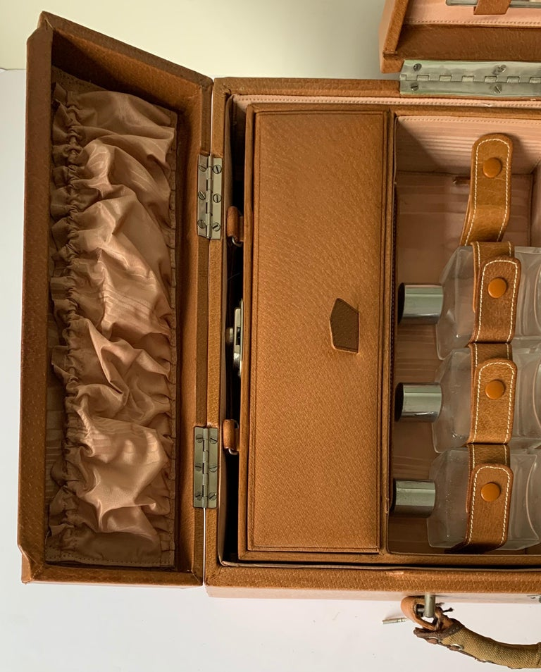 1950s Mark Cross Tan Leather Travel Dual Vanity Train Case For Sale 7