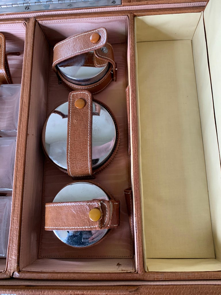 1950s Mark Cross Tan Leather Travel Dual Vanity Train Case For Sale 9