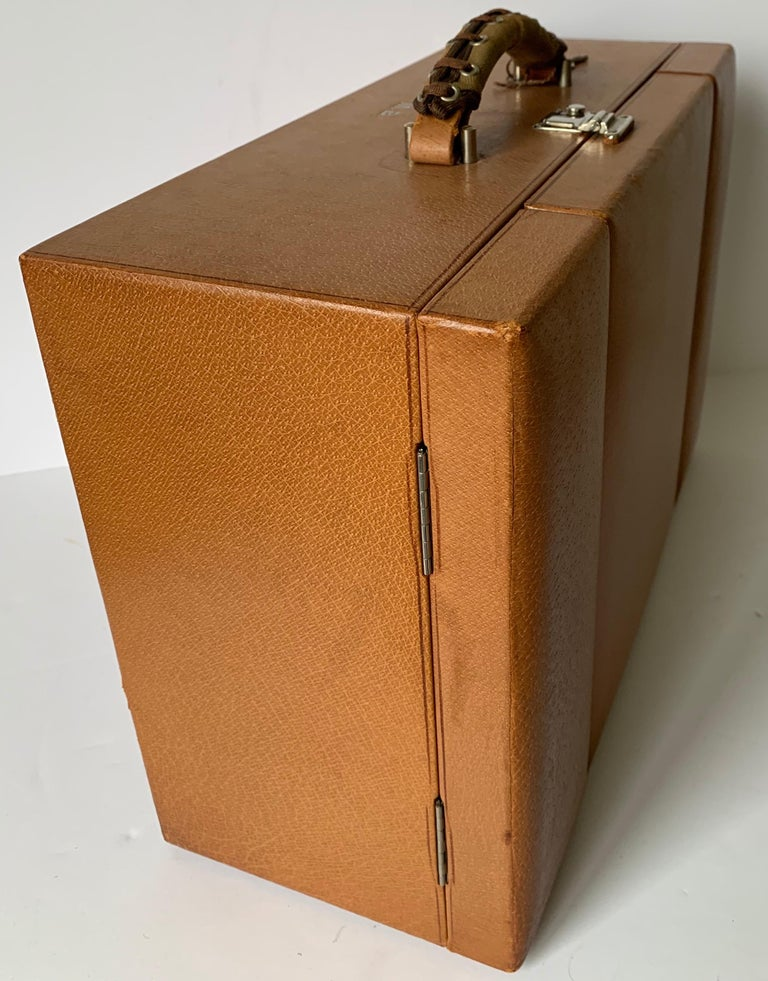 1950s Mark Cross Tan Leather Travel Dual Vanity Train Case For Sale 2