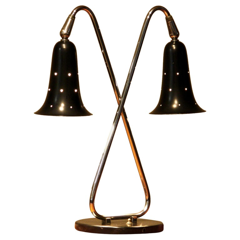Mid-Century Modern 1950s Metal Black Lacquered and Chromed Desk/Table Lamp Made in the USA