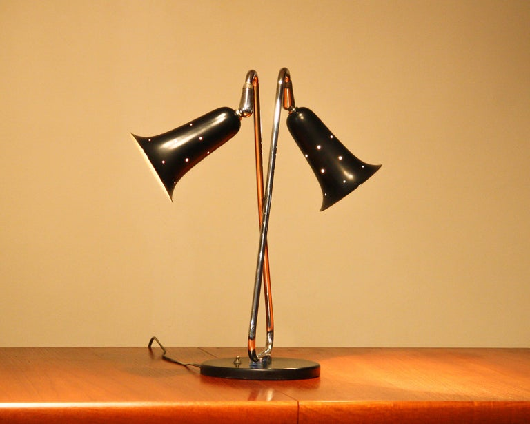 1950s Metal Black Lacquered and Chromed Desk/Table Lamp Made in the USA In Good Condition In Silvolde, Gelderland