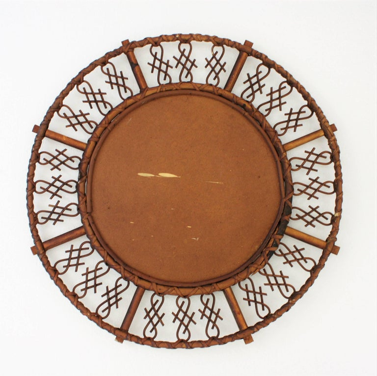 1950s Mid-Century Modern Chinoiserie Rattan and Bamboo Round Mirror For Sale 3