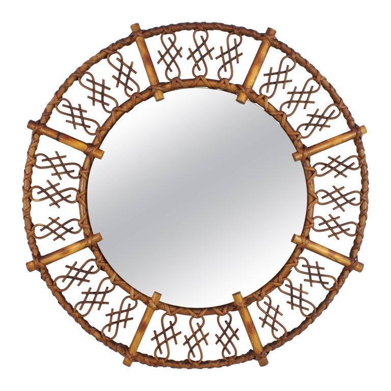 1950s Mid-Century Modern Chinoiserie Rattan and Bamboo Round Mirror For Sale