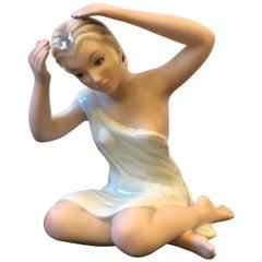 1950s Mid-Century Modern Italian Ceramic Woman Statue by Favaro Cecchetto