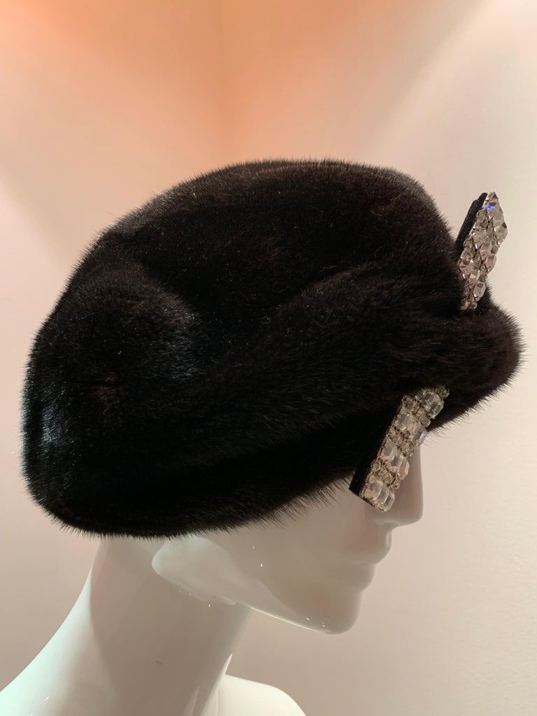 1950s Mink Beret W/ Stunning Rhinestone Bar Accent  In Excellent Condition For Sale In San Francisco, CA