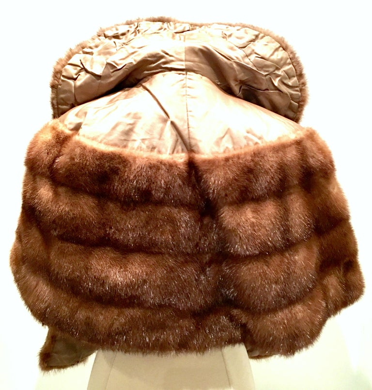 1950'S Mink Whyskey Dyed Mink Fur Capelet Jacket By, Lloyds Fur-Denver In Good Condition For Sale In West Palm Beach, FL