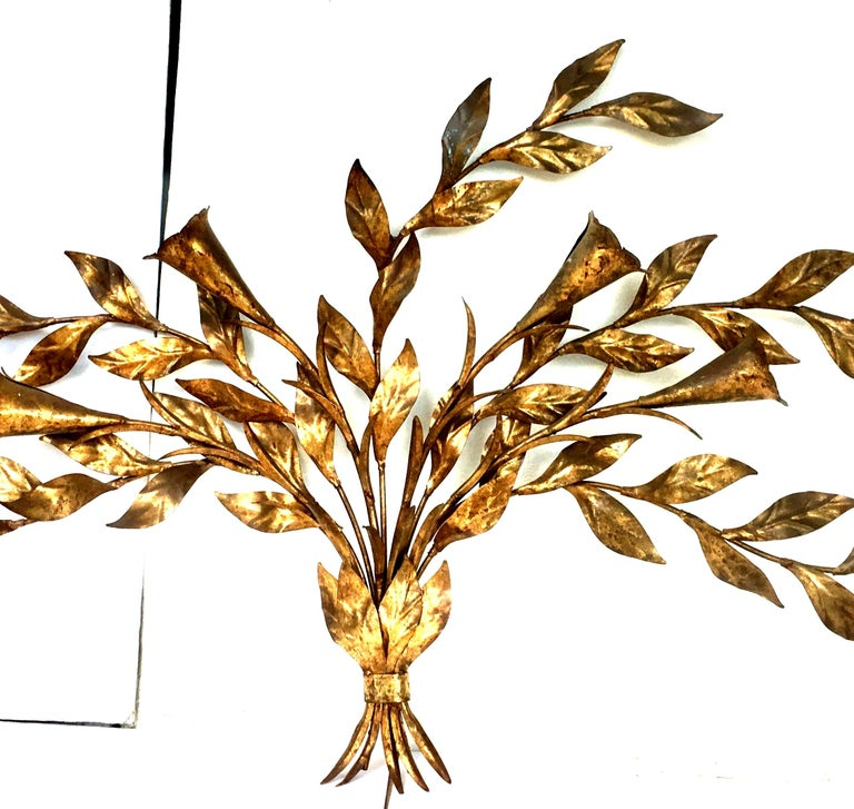 1950s Monumental Italian Gold Leaf Floral Sheaf Wall Sculpture by Florentia In Good Condition For Sale In West Palm Beach, FL