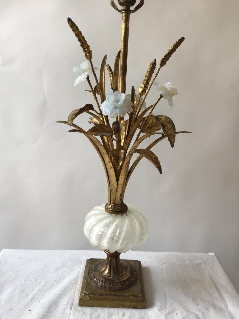 1950s Murano Glass Floral Table Lamp In Good Condition For Sale In Tarrytown, NY