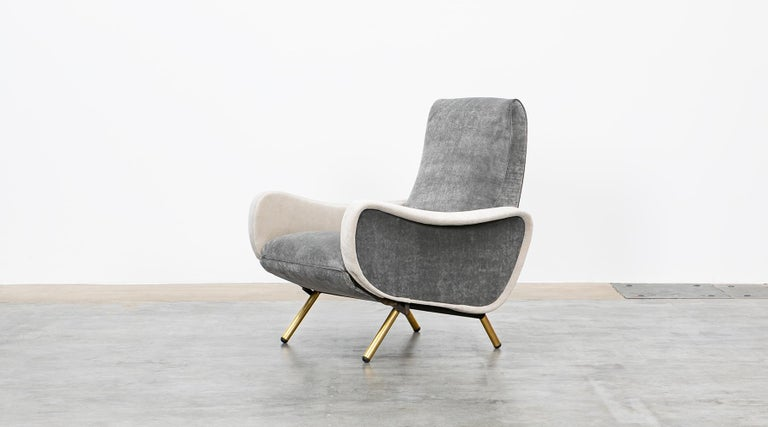 1950s New Upholstery in Grey, Brass Legs, Pair of Lounge Chairs by Marco Zanuso In Good Condition For Sale In Frankfurt, Hessen, DE