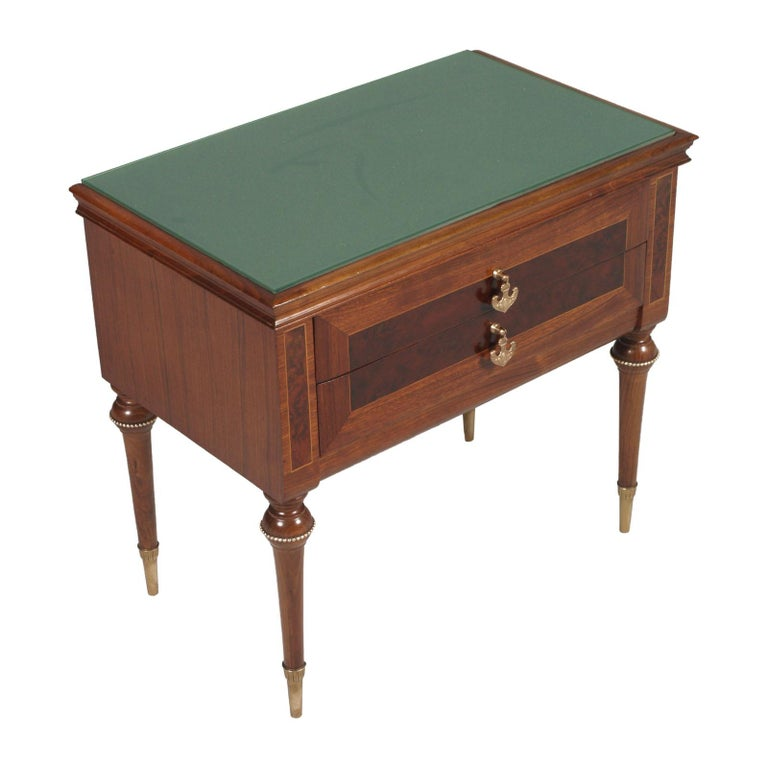 Precious midcentury Paolo Buffa nightstands, walnut bicolor, inlaid burl and maple, golden brass accessories. Emerald green lacquered glass top. Two drawers.  Measures cm: H 56, W 60, D 36.