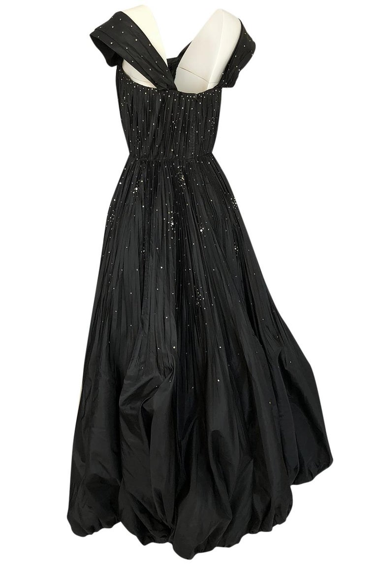 1950s Norman Hartnell Haute Couture Rhinestone Detailed Bubble Hem Dress For Sale 1