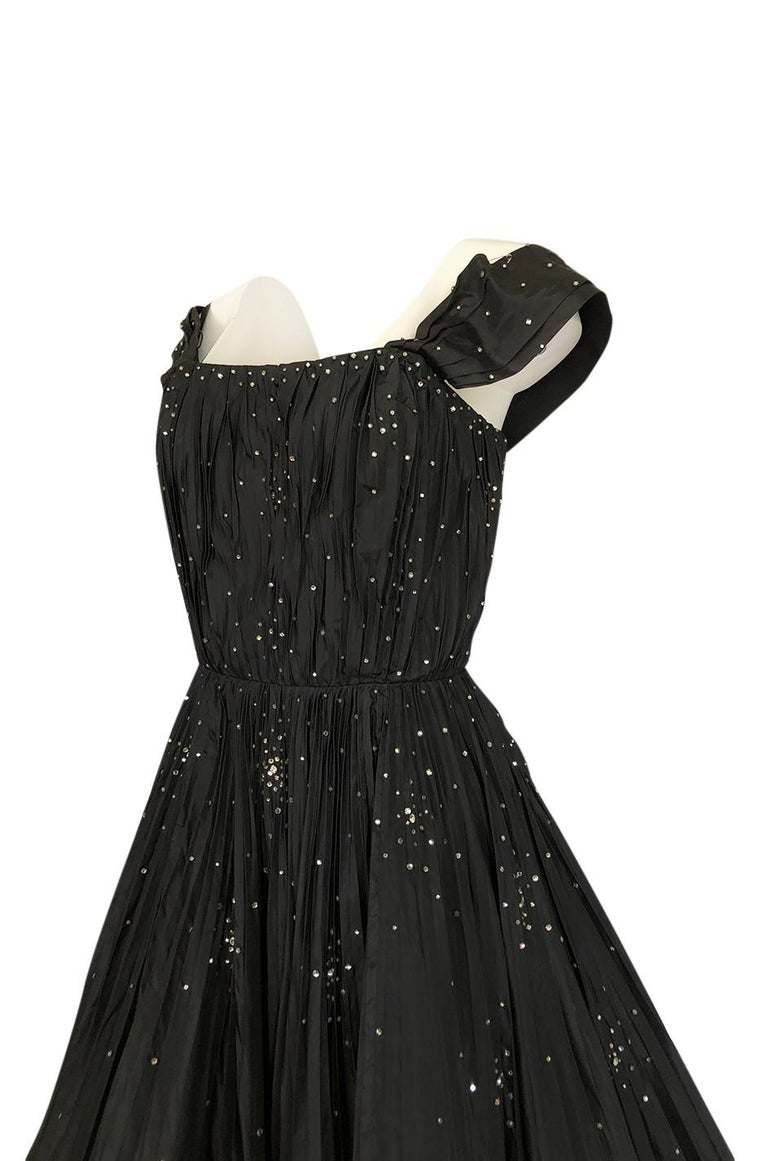 959b83e3d724 1950s Norman Hartnell Haute Couture Rhinestone Detailed Bubble Hem Dress  For Sale 3