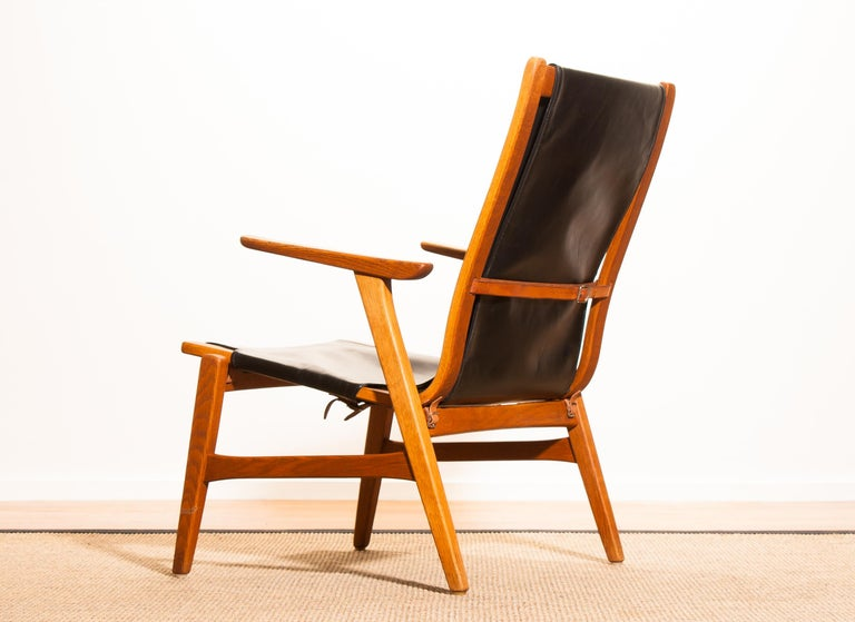 1950s, Oak and Leatherette Hunting Lounge Chair 'Ulrika' by Östen Kristiansson For Sale 4