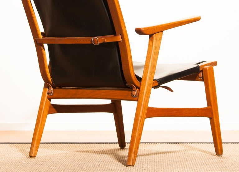 1950s, Oak and Leatherette Hunting Lounge Chair 'Ulrika' by Östen Kristiansson For Sale 8