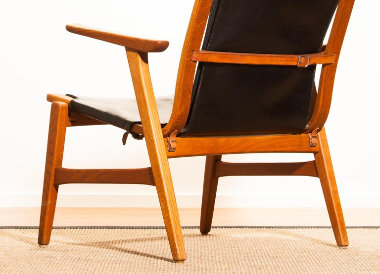 1950s, Oak and Leatherette Hunting Lounge Chair 'Ulrika' by Östen Kristiansson For Sale 9