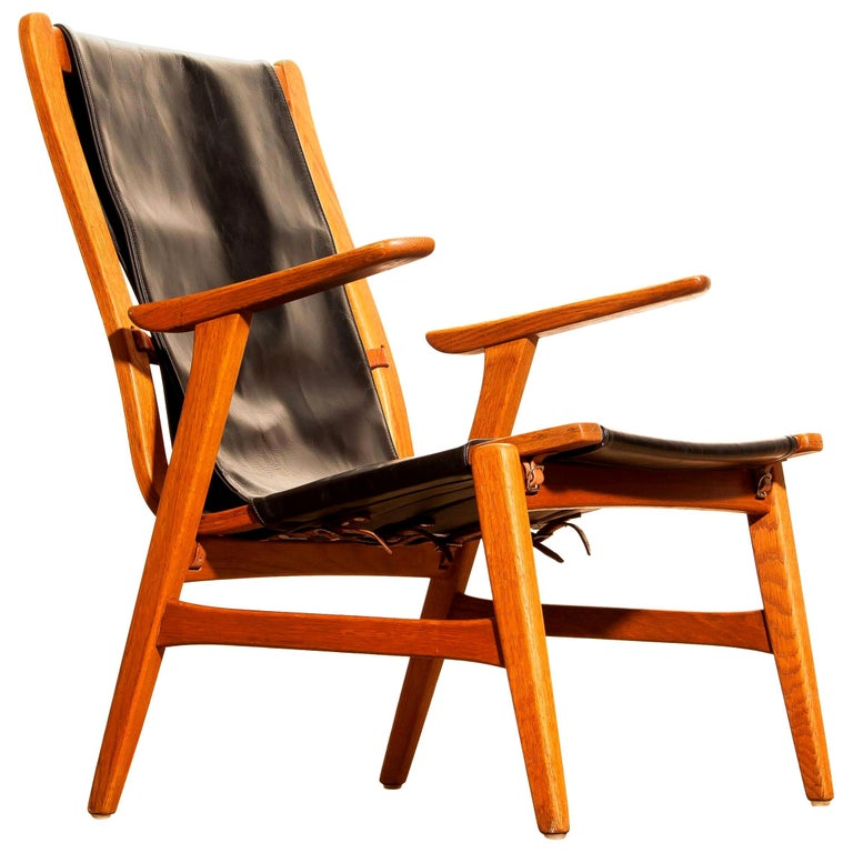 Wonderful hunting chair 'Ulrika' designed by Östen Kristiansson for Vittsjö, Sweden.