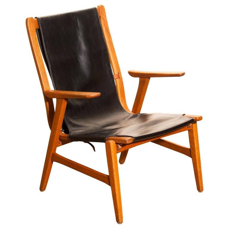 Mid-20th Century 1950s, Oak and Leatherette Hunting Lounge Chair 'Ulrika' by Östen Kristiansson For Sale