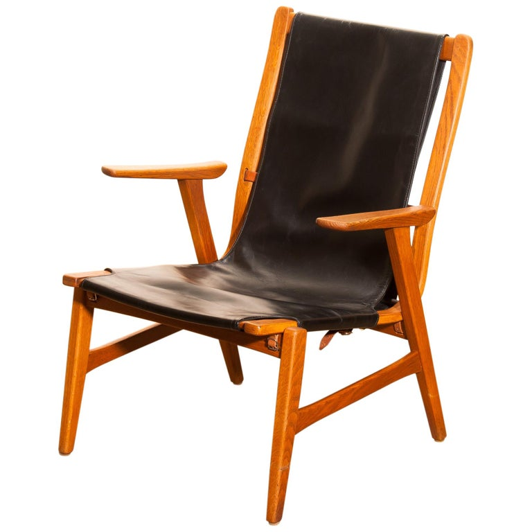 1950s, Oak and Leatherette Hunting Lounge Chair 'Ulrika' by Östen Kristiansson For Sale 1