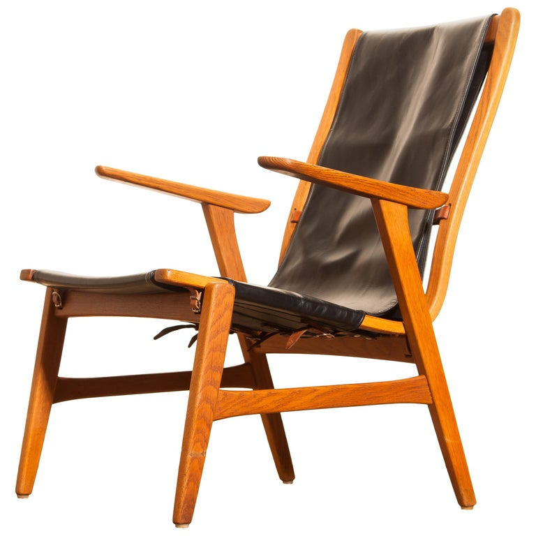 1950s, Oak and Leatherette Hunting Lounge Chair 'Ulrika' by Östen Kristiansson For Sale 2