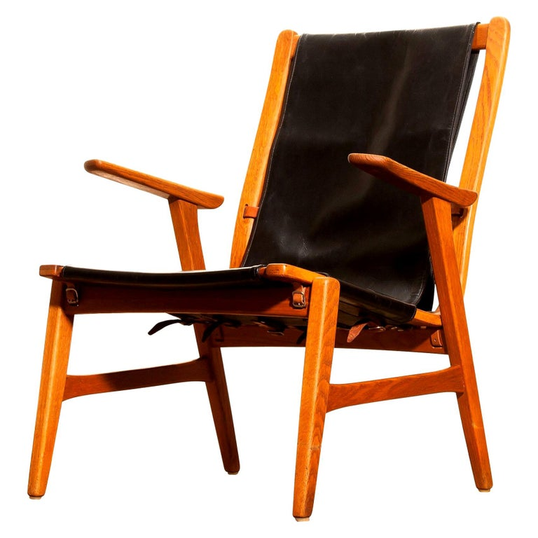 1950s, Oak and Leatherette Hunting Lounge Chair 'Ulrika' by Östen Kristiansson For Sale