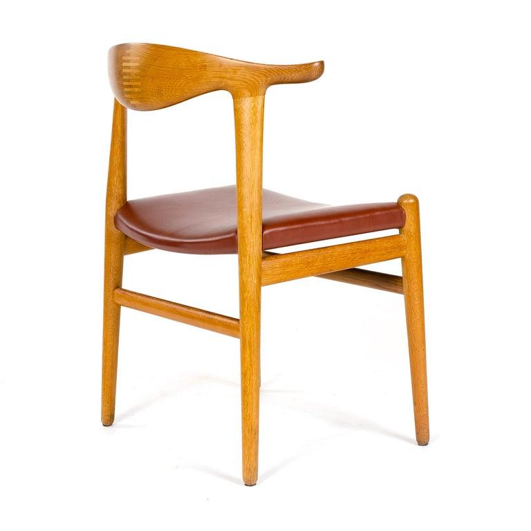 1950s Oak Cow Horn Chair by Hans J. Wegner for Johannes Hansen In Good Condition For Sale In Sagaponack, NY