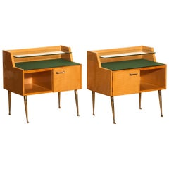 1950s, Pair of Italian Nightstands in Maple with Brass Legs by Paolo Buffa