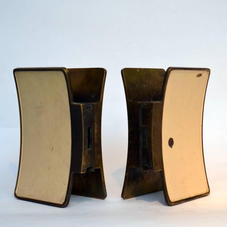 1950s Pair of Italian Push-Pull Door Handles Brass and Cream Enamel For Sale 5