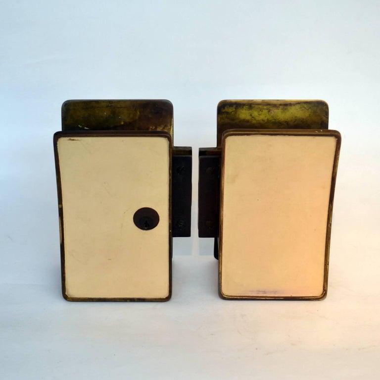 Mid-Century Modern 1950s Pair of Italian Push-Pull Door Handles Brass and Cream Enamel For Sale
