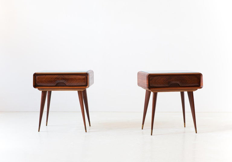Mid-Century Modern 1950s Pair of Italian Sculptural Nightstands For Sale