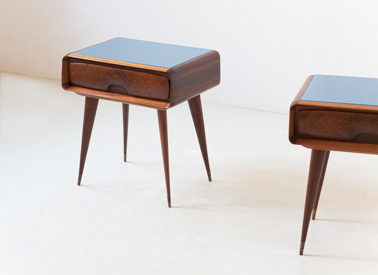 Mid-20th Century 1950s Pair of Italian Sculptural Nightstands For Sale