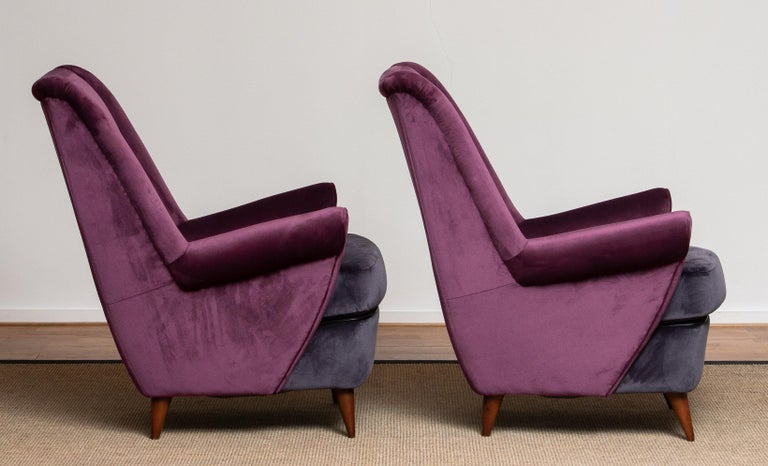 Italian 1950s Pair of Lounge / Easy Chairs Designed Gio Ponti Made by ISA Bergamo, Italy For Sale