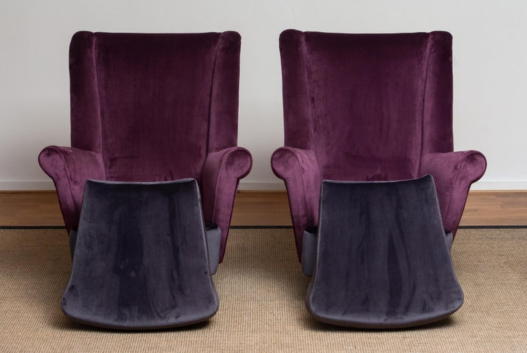 Mid-20th Century 1950s Pair of Lounge / Easy Chairs Designed Gio Ponti Made by ISA Bergamo, Italy For Sale