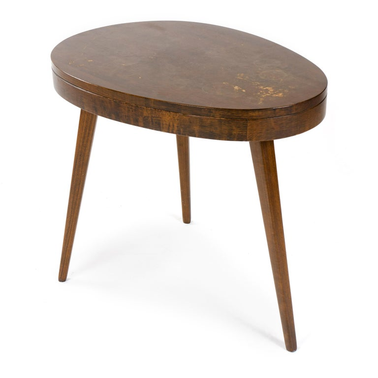 American 1950s Pair of Walnut Side Tables For Sale