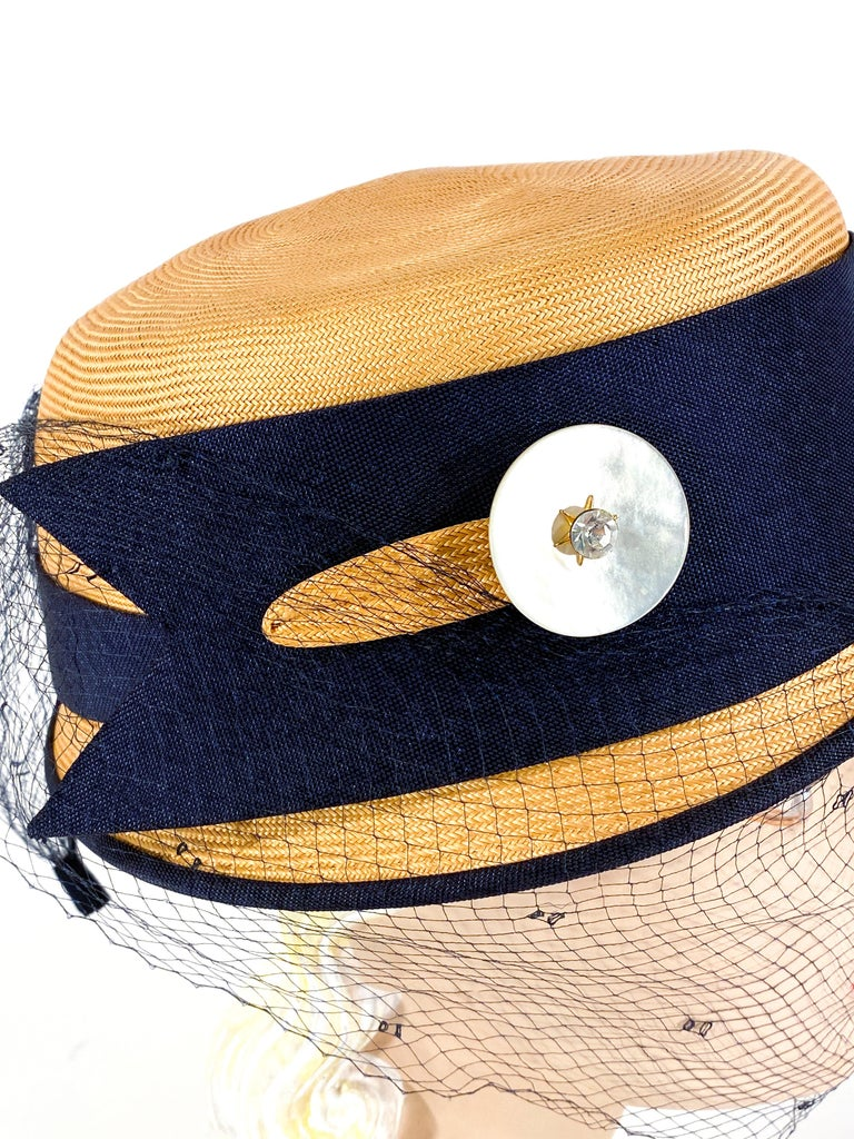 1950s Panama Pill Box with Veil In Good Condition For Sale In San Francisco, CA