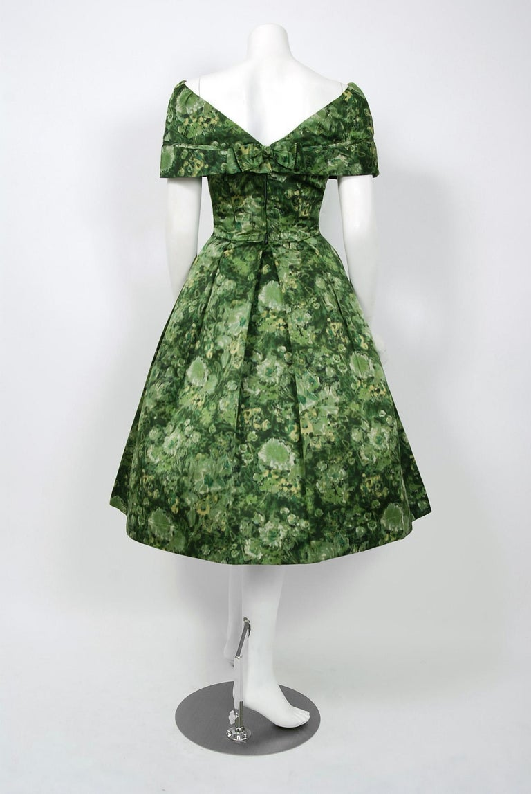 Vintage 1950's Peggy Hunt Green Floral Silk Portrait-Collar Pleated Full Dress  For Sale 2