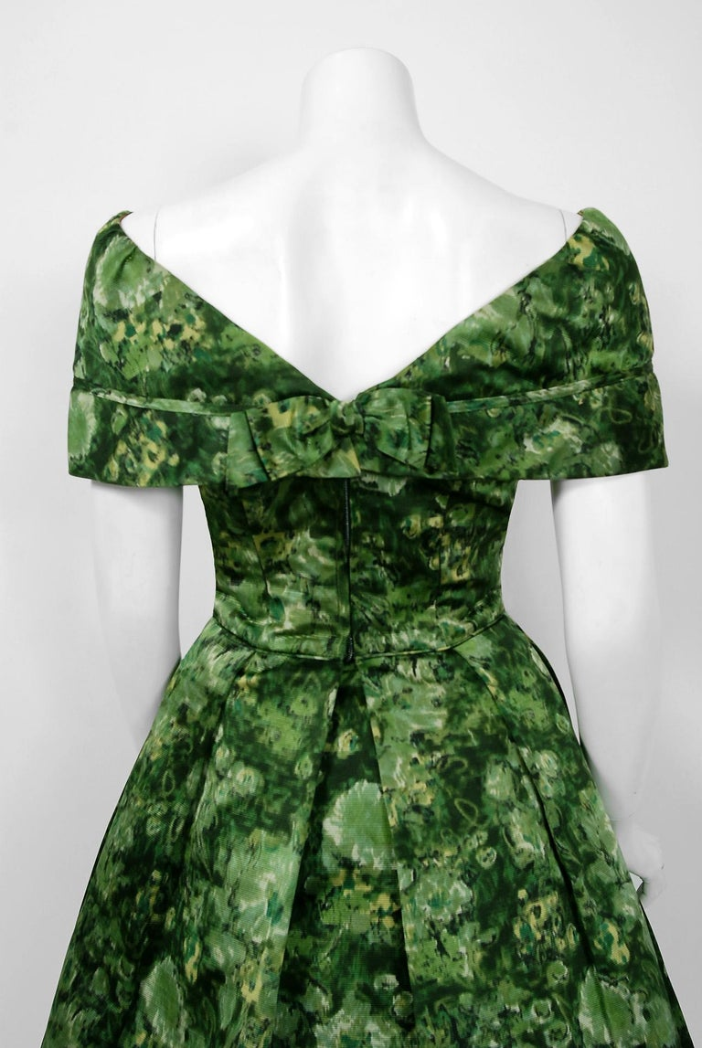 Vintage 1950's Peggy Hunt Green Floral Silk Portrait-Collar Pleated Full Dress  For Sale 3