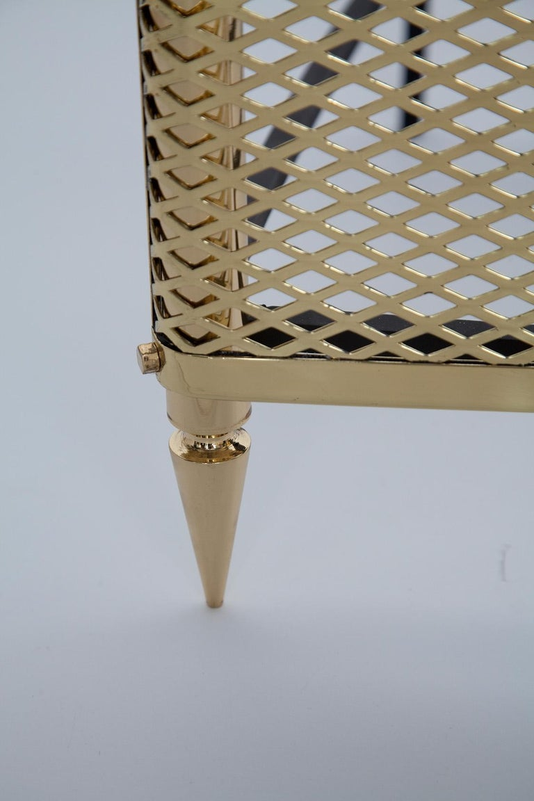 Italian 1950s Polished Brass Fireplace Grate by Stilnovo, Italy For Sale