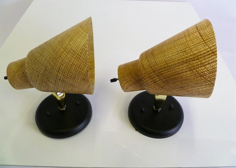 Tropical Modern 1950s Acrylic Raffia Cone Wall Sconces For Sale 4