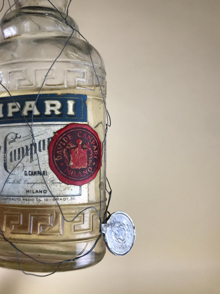 1950s Rare Vintage Italian Cordial Campari Glass Flask with Aluminium Cup In Good Condition For Sale In Milan, IT