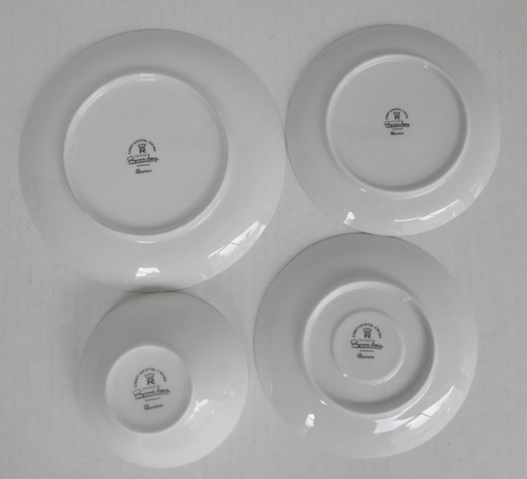 1950s Raymond Loewy Quince Pattern 36 Pieces Breakfast Set by Rosenthal Germany For Sale 5
