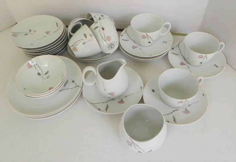 Mid-Century Modern 1950s Raymond Loewy Quince Pattern 36 Pieces Breakfast Set by Rosenthal Germany For Sale