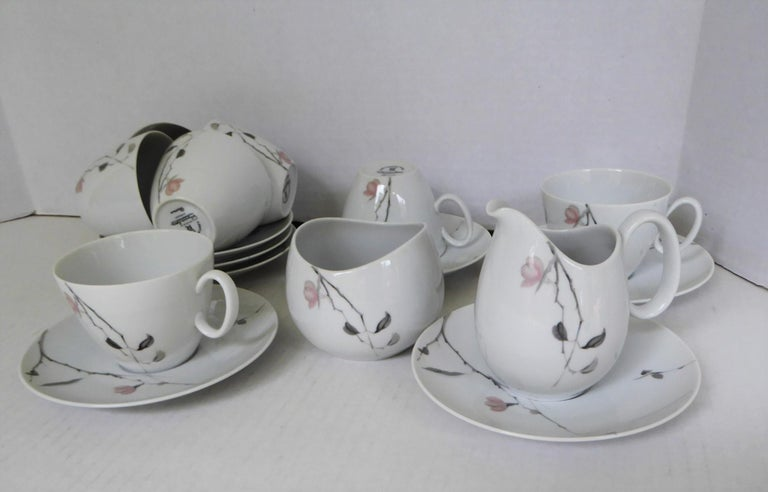 Mid-20th Century 1950s Raymond Loewy Quince Pattern 36 Pieces Breakfast Set by Rosenthal Germany For Sale