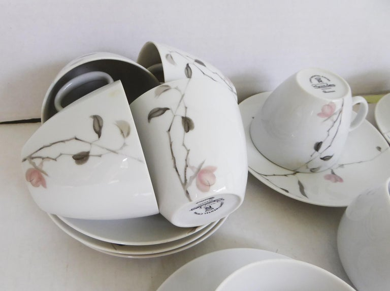 Ceramic 1950s Raymond Loewy Quince Pattern 36 Pieces Breakfast Set by Rosenthal Germany For Sale
