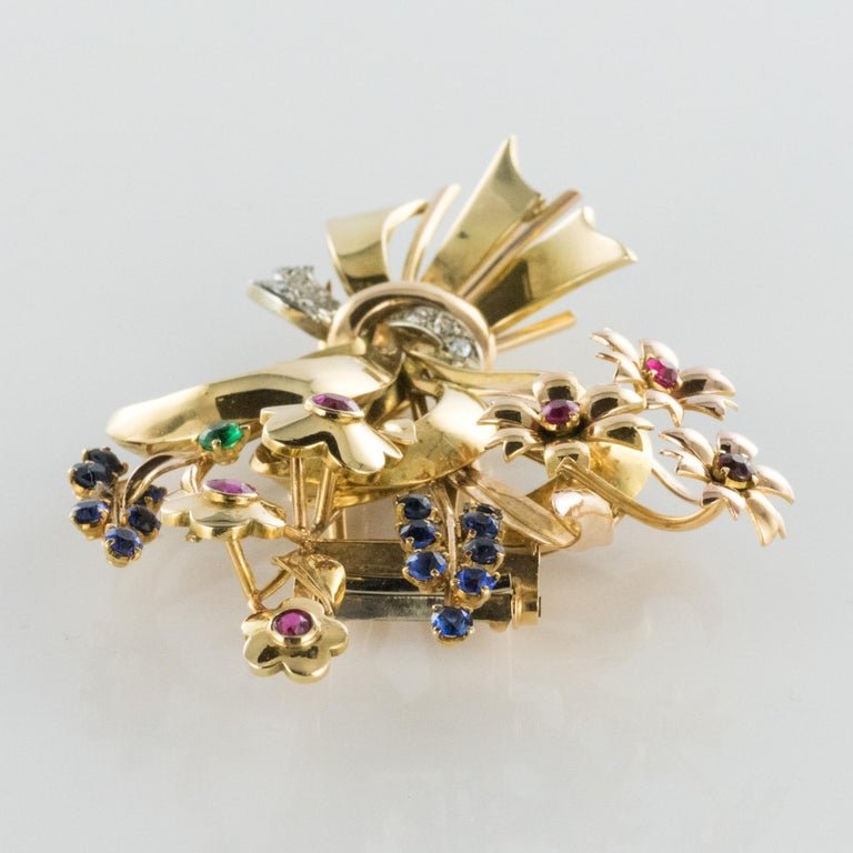 1950s Retro 18 Karat Gold Bouquet Precious Stones Brooch For Sale 7