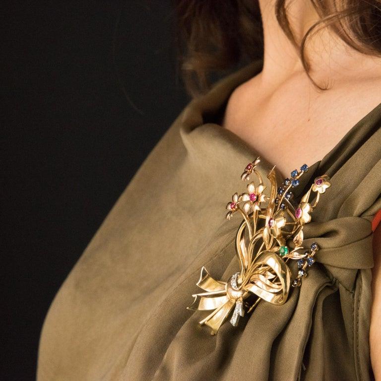 1950s Retro 18 Karat Gold Bouquet Precious Stones Brooch For Sale 1