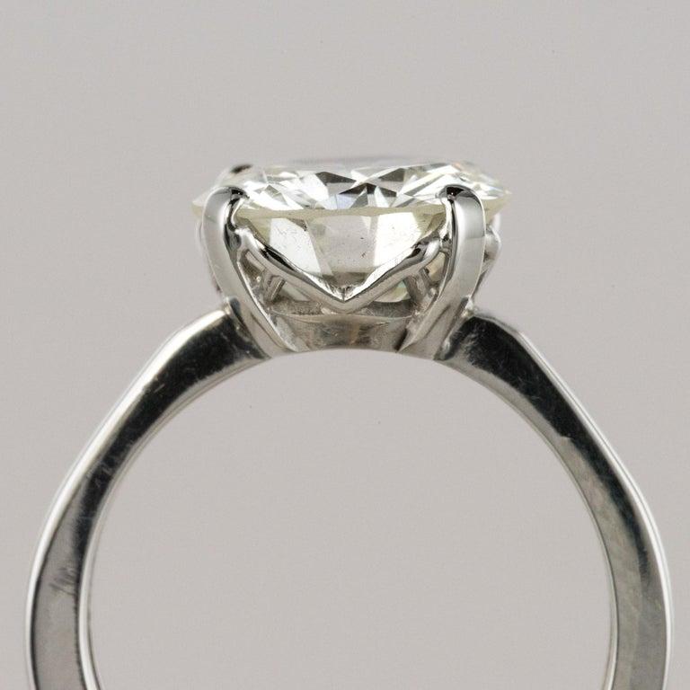 1950s Retro 3.20 Carat Diamond White Gold Solitary Ring For Sale 7