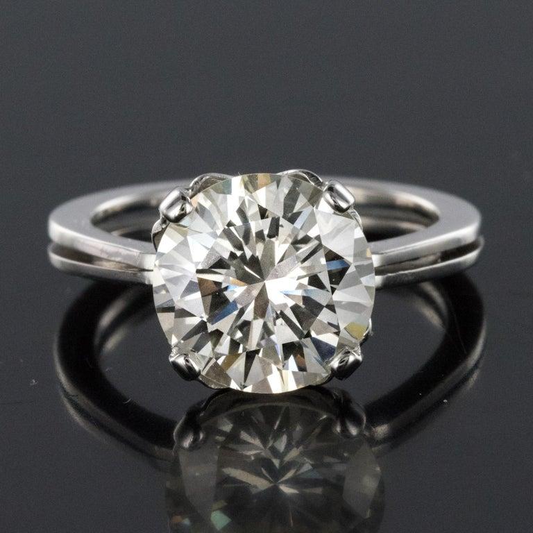 1950s Retro 3.20 Carat Diamond White Gold Solitary Ring For Sale 9