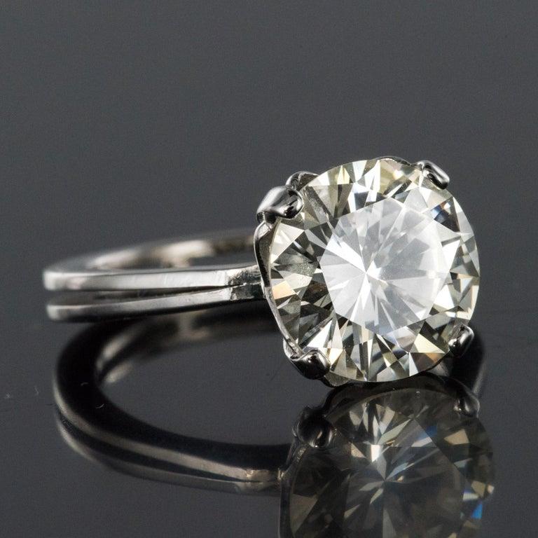 1950s Retro 3.20 Carat Diamond White Gold Solitary Ring For Sale 10