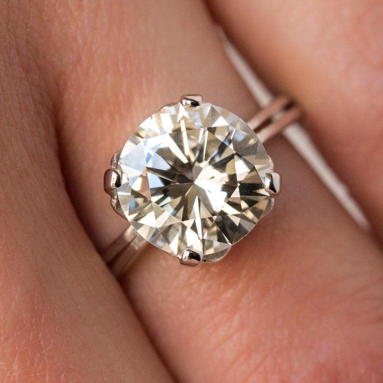 Women's 1950s Retro 3.20 Carat Diamond White Gold Solitary Ring For Sale